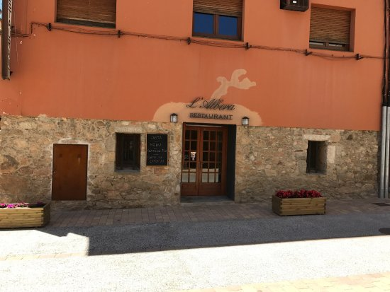 Capmany, Espagne : Restaurant l'Albera