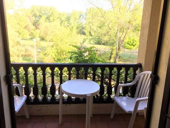 Vieux-Mareuil, Prancis: Balcony w lakeview