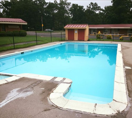 West Point, VA: Outdoor Pool
