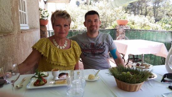 Tourtour, France : dessert aux chenes verts