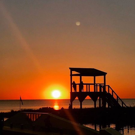 Waves, NC: Sunset on the Sound, a beautiful daily occurrence here!
