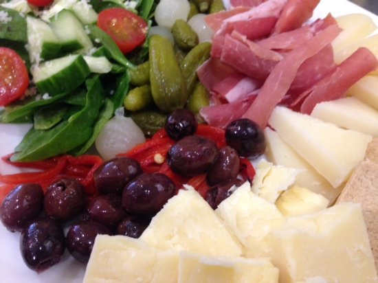 Culpeper, VA: Try a delicious cheese plate