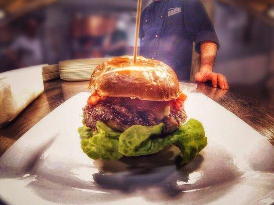 Novate Milanese, Italien: Il nostro fantastico hamburger di Black Angus !! Gusto intenso e profondo.