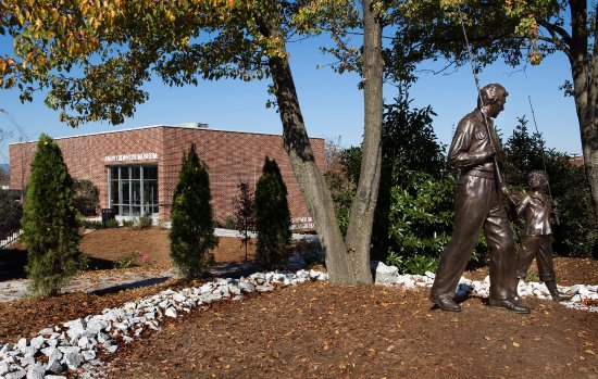 Mount Airy, NC: TV Land Statue and The Andy Griffith Museum