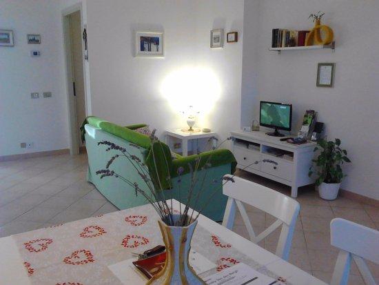 Ponsacco, Itália: Corner Letture e TV