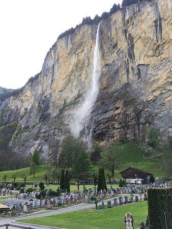 Lauterbrunnen Valley Waterfalls: photo0.jpg