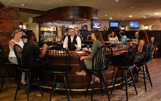 Join us for Happy Hour weekdays in our Tavern, 4 - 7pm