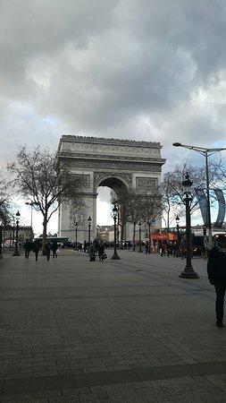 Hotel Ares Paris: Snapchat-1960716490_large.jpg