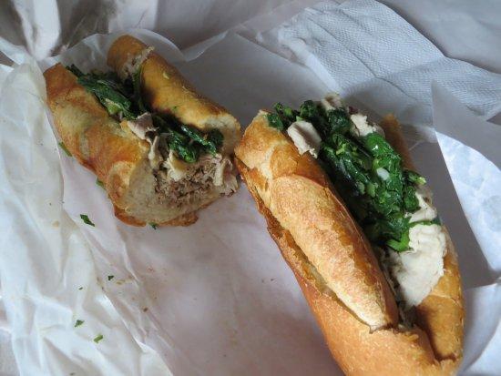Di Nic's Roast Pork & Beef: Sandwich au porc avec de la verdure