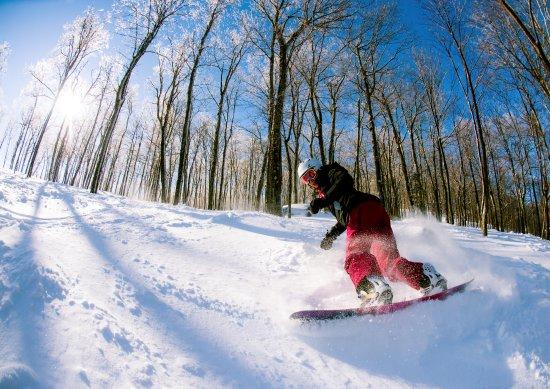 Mont Blanc Ski Hotel & Resort: Hébergement en bordure des pistes et de la plage