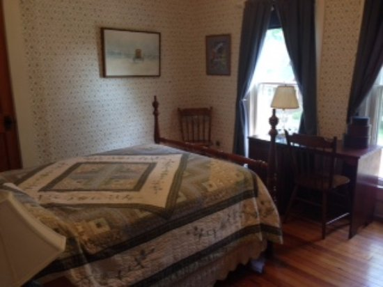Homeplace Bed and Breakfast: Ned Turner Room