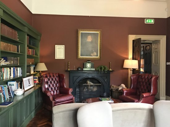 Recess, Irlandia: Library of Ballynahinch castle