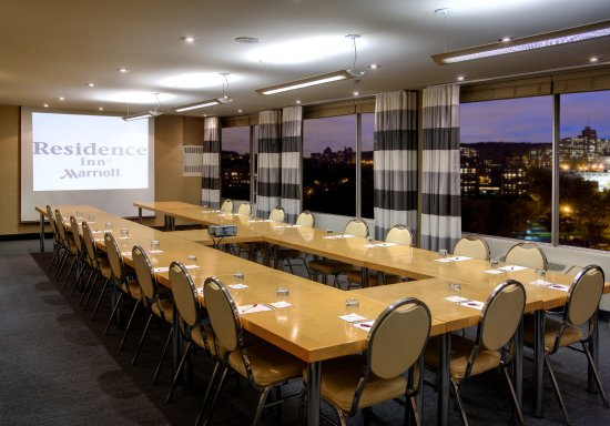 Residence Inn Montreal Westmount: Bordeaux - largest meeting room