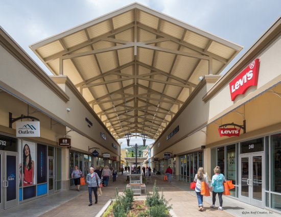 Asheville Outlet Mall >> Levis At Asheville Outlets Picture Of Asheville Outlets