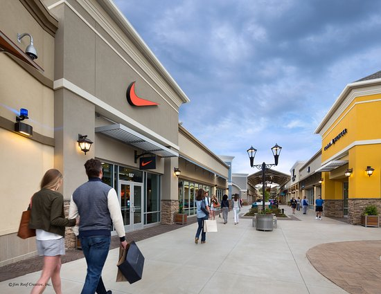 List of all outlet malls and all outlet stores in Florida. All famous name brands which are located in Florida. Please choose an outlet shopping mall from the list below to see outlet .