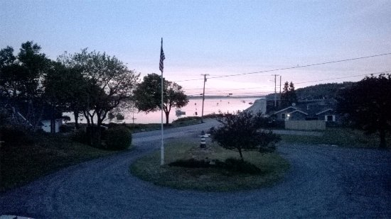 Bailey Island, ME: Cribstone Bridge in the distance and sunset vanishes quickly