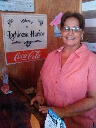 Hawthorne, FL: Laurie The Owner