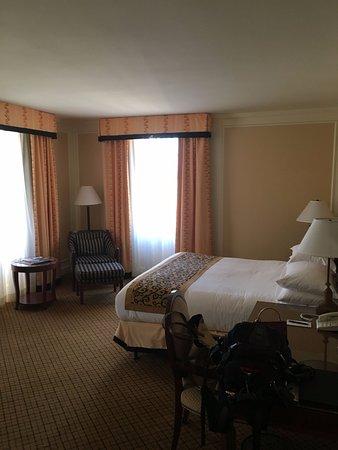 InterContinental Mark Hopkins San Francisco: King Bed Corner Room