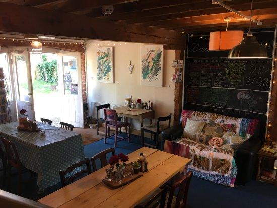 Faversham, UK: Brew cafe - rural, quirky feel