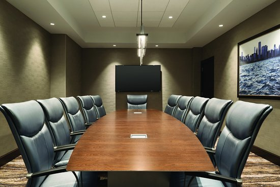 Embassy Suites by Hilton Chicago Lombard Oak Brook: Board Room