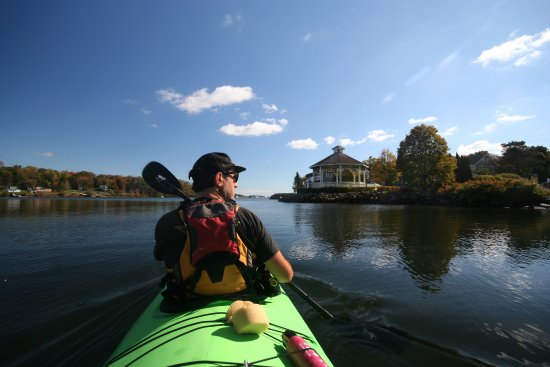 Mahone Bay offers a beautiful peaceful & protected harbour, great for paddling!