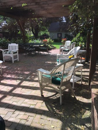 Copper Beech Manor Bed and Breakfast: Patio