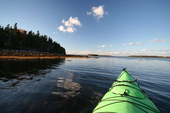 Guided sea kayak tours and rentals in the Mahone Bay Islands
