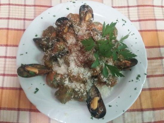 Genazzano, Италия: Gnocchi di patate all' ortica cozze e pecorino!!