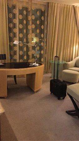 Movenpick Hotel Al Khobar: فندق هادئ ونظيف والغرفة واسعة.