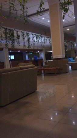 Avanti Hotel: photo3.jpg