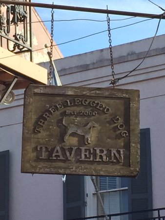 Three Legged Dog Tavern照片
