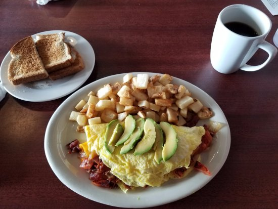 Canton, MI: B&G Omelette with fried potatoes