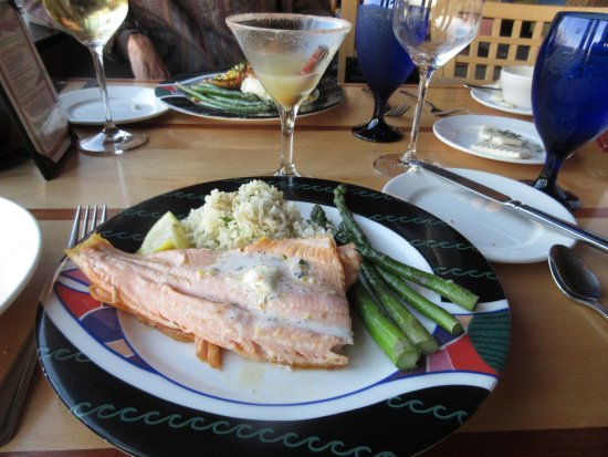 Richland, WA: Golden trout with fresh asparagus