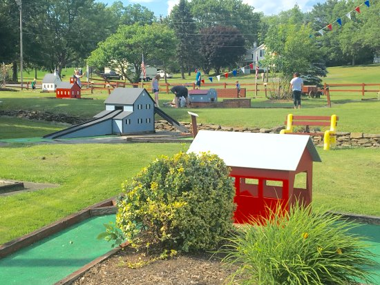 Clarks Summit, Пенсильвания: Miniature Golf on site
