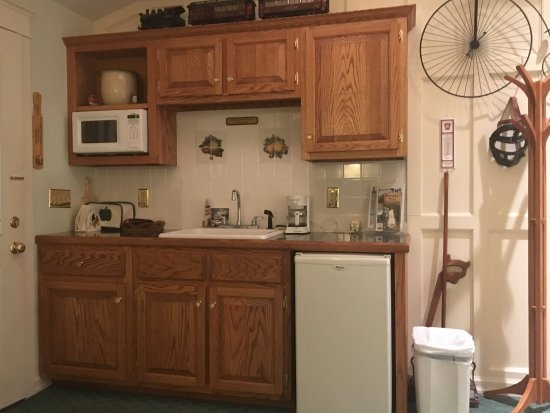 Clarks Summit, Пенсильвания: Country Suite kitchenette