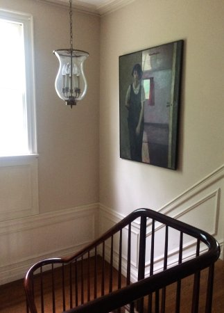 Chrystie House Bed and Breakfast: Stairwell (painting is one of many works by the B&B owner