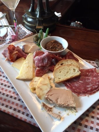 Grill 225 : meat and cheese plate