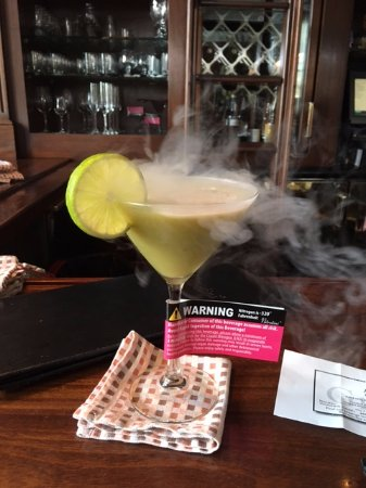 Grill 225 : cocktail with liquid nitrogen