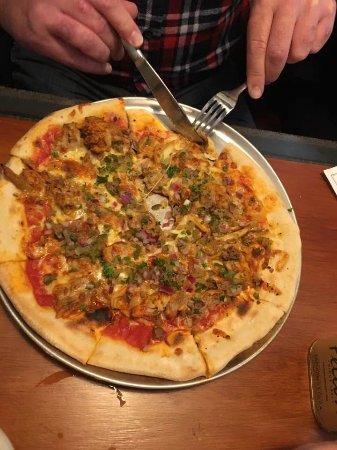Palmerston North, Nueva Zelanda: Pizza $18