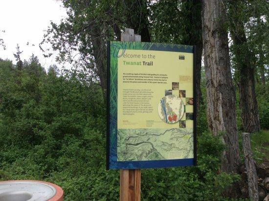 Warm Springs, OR: walking trail