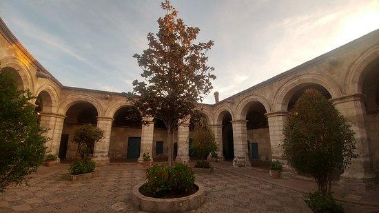Monasterio de Santa Catalina: 20170509_171019_HDR_large.jpg