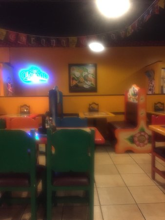 White Pine, TN: Colorful and wonderful restaurant