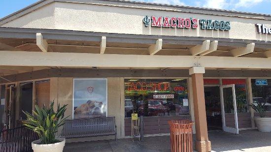 La Mesa, CA: Macho's Taco Shop