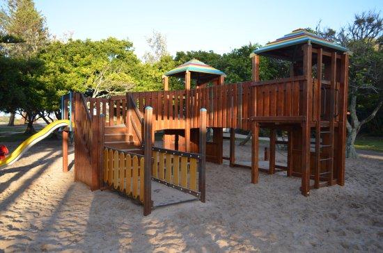 Cerulean Apartments: Happy Valley Park