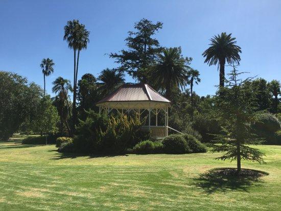 Albury Botanic Garden: Gazebo - oerfect setting for a wedding