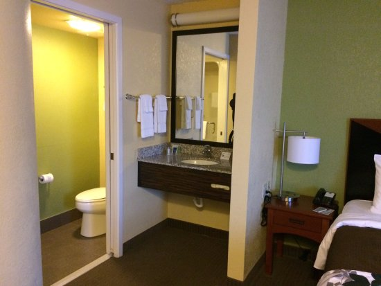 Greenwood Village, CO: Efficient, clean and comfortable.