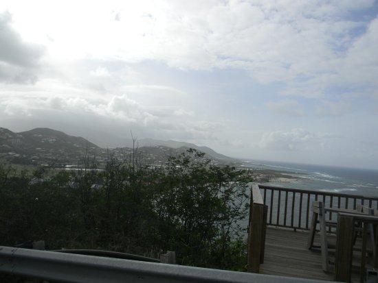 Cockleshell Beach: Beautiful views on the drive