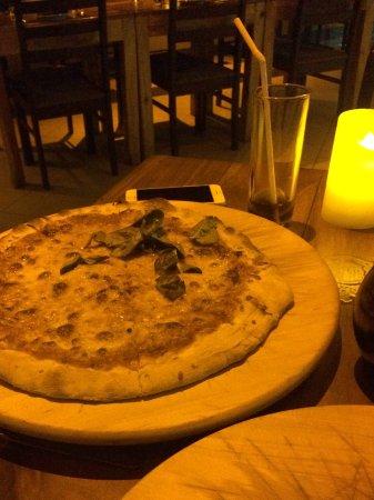 Prego Italian Restaurant: Authentic pizza