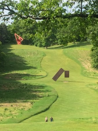 New Windsor, NY: Sculptures galore throughout the manicured lawns surrounded by the rolling hills.