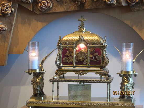 Darien, IL: Relics of Saint Therese of Little Flower